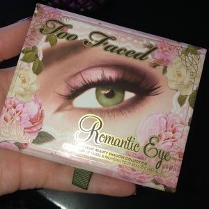 Too Faced Romantic Eye palette